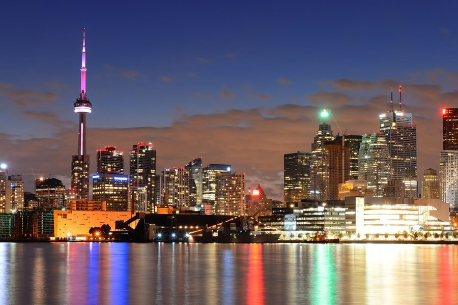 Toronto Wine Bars - A beautiful nighttime view of Downtown Toronto!