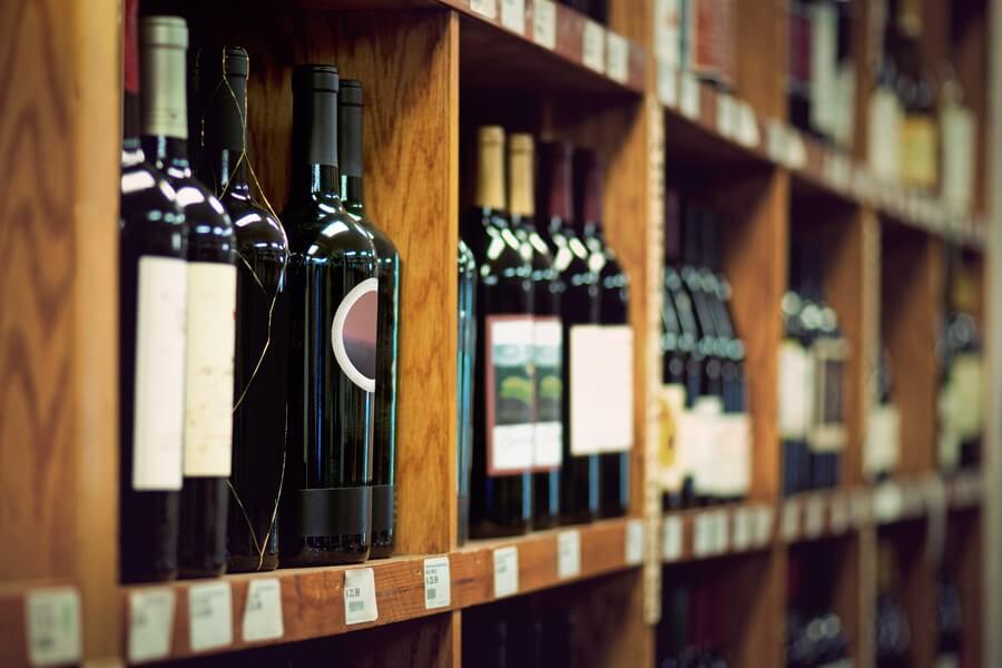 Wine Shop Tips Buying Wine DP